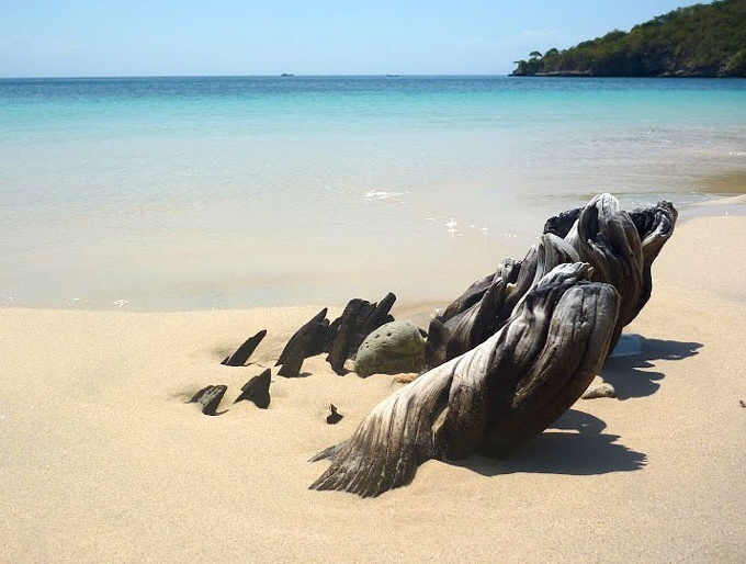 Pristine beaches at #TanjungRinggit eco-region, Asia's largest eco-development. Lombok, Indonesia      http://www.facebook.com/pages/Tanjung-Ringgit-Eco-Region/223751894430503