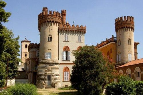 Il Castello dei Marchesi del Monferrato (Sec. XII) - Favria provincia di Torino - Piemonte