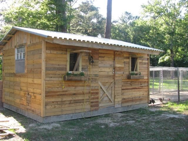 Sweetchicks's Chicken Coop - BackYard Chickens Community. Another large chicken coop design, this is made from pallets. Very affordable!