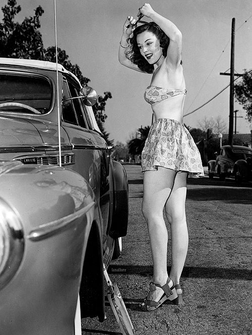 50s car erotic woman