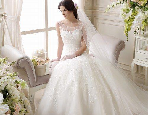 Abiti da sposa - vestiti da sposa; velo a parte è delizioso... senza coda