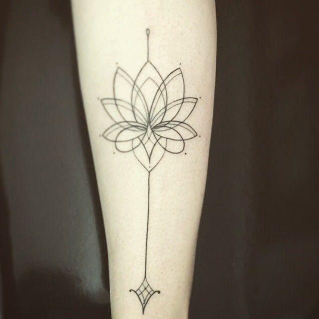 """Tatuagem feita por <a href=""""http://instagram.com/bobqueiroztattoos"""">@bobqueiroztattoos</a> Incrível essa linha fina! #delicada"""