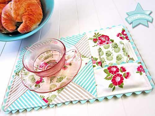 Free Sewing Pattern and Tutorial - Mug Rug with Napkin Pocket