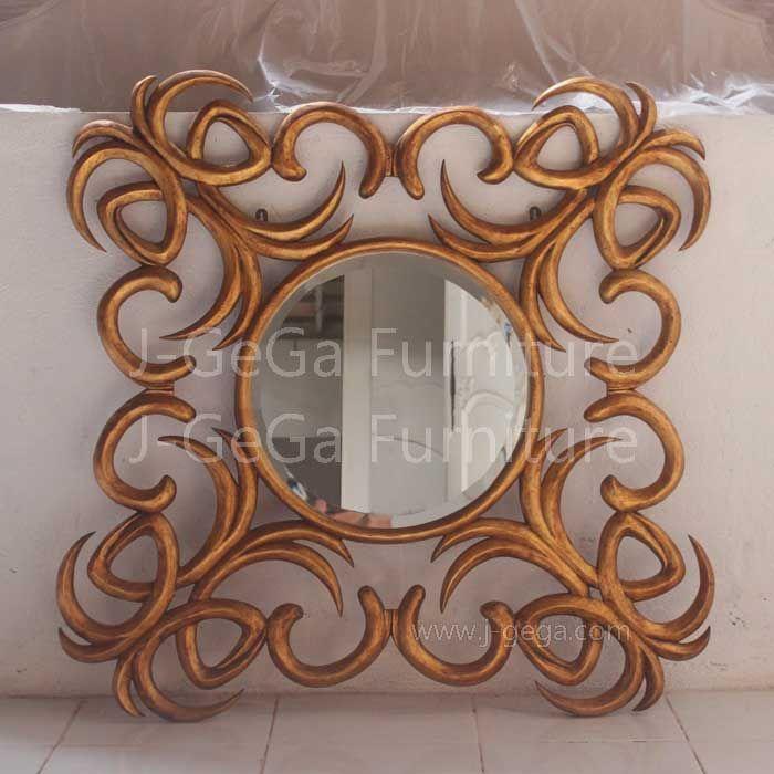 Jual Pigura Cermin Hias Coconut Ribbon Gold untuk menghiasi dinding rumah anda, dengan desain unik dan finishing emas menajdikan ruangan anda semakin nyaman.  Finishing : Cat Duco Emas (GOLD PAINT) Sangat cocok untuk anda miliki sebagai hiasan dinding di dalam ruangan di rumah, villa, hotel dan apartment.  Info Pemesanan : Email : marketing@j-gega.com Phone, Sms & WA : +6285-741-400-964  #cerminhias #piguracermin #jualpigura #cerminjepara #pigurajepara #furniturejepara #mebeljepara