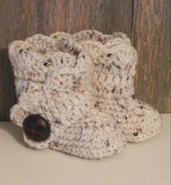 Crochet Baby Ugg Boots  Tan Flex Baby Uggs  Baby by MamaTCrafts