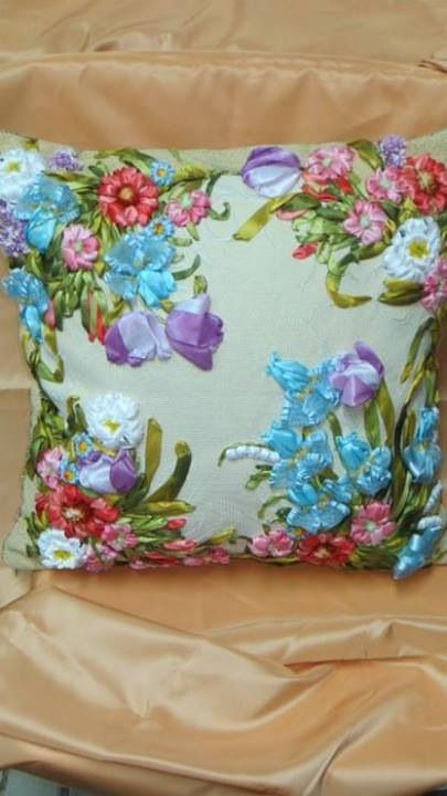 Ribbon embroidery pillow bordado com fitas pinterest