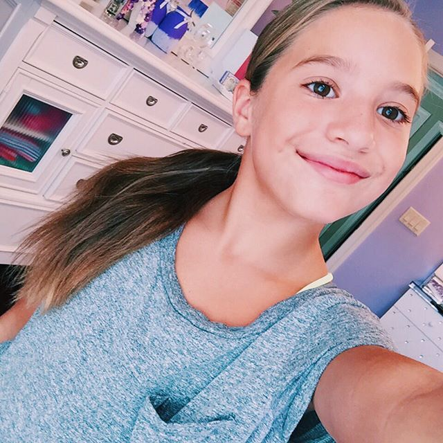 Hi I m Mackenzie Ziegler and I m 11 years old  I m on dance moms and I was  on Nicky Ricky Dicky and Dawn  My sister is Maddie  Love to dance and sing. 207 best Mackenzie ziegler images on Pinterest   Mackenzie ziegler