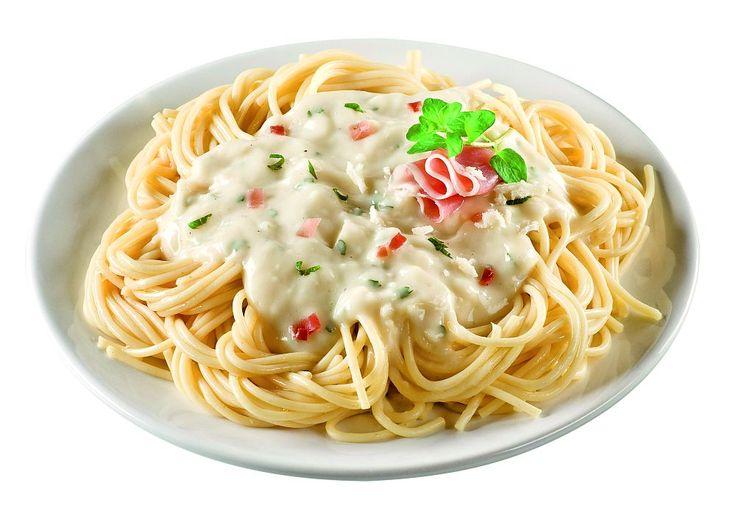 Spaghete Carbonara cu şuncă şi parmezan