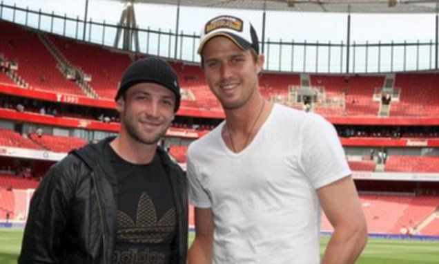 Nick Compton pays tribute to former team-mate Phillip Hughes