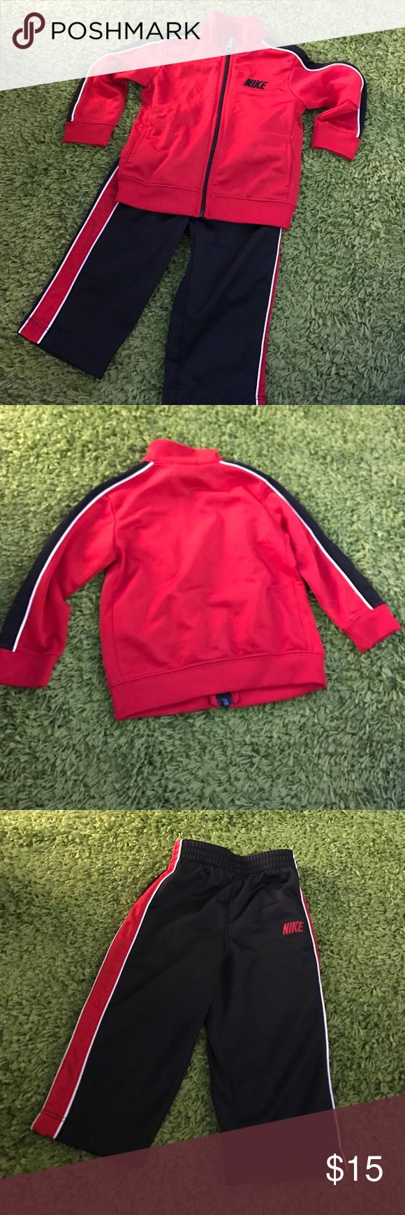 Nike Jogging Suit Lightly used, in great condition. Absolutely no damage or discolorations Nike Matching Sets