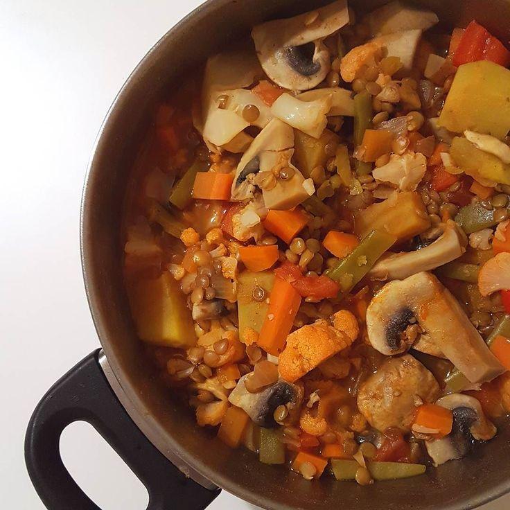 Hoje estou imparável! Para o jantar de hoje temos lentilhas estufadas um dos meus pratos favoritos  Um bom jantar!