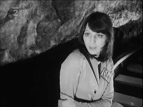 Martha a Tena Elefteriadu - Nejdelší most (1973) - YouTube