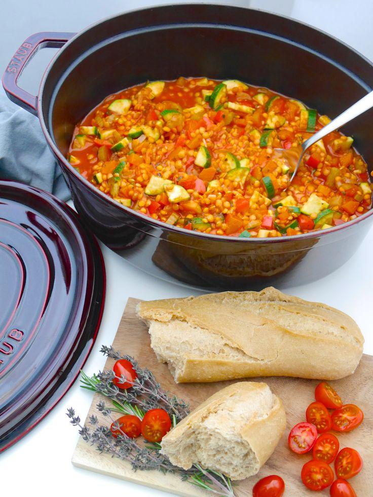 La Cocotte: Gemüse-Schmortopf mit roten Linsen   Rezept Dr. Alexa Iwan