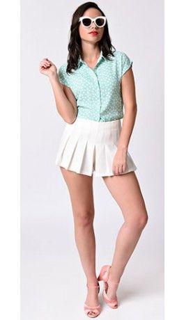 Retro Style White High Waist Knit Pleated Tennis Shorts.