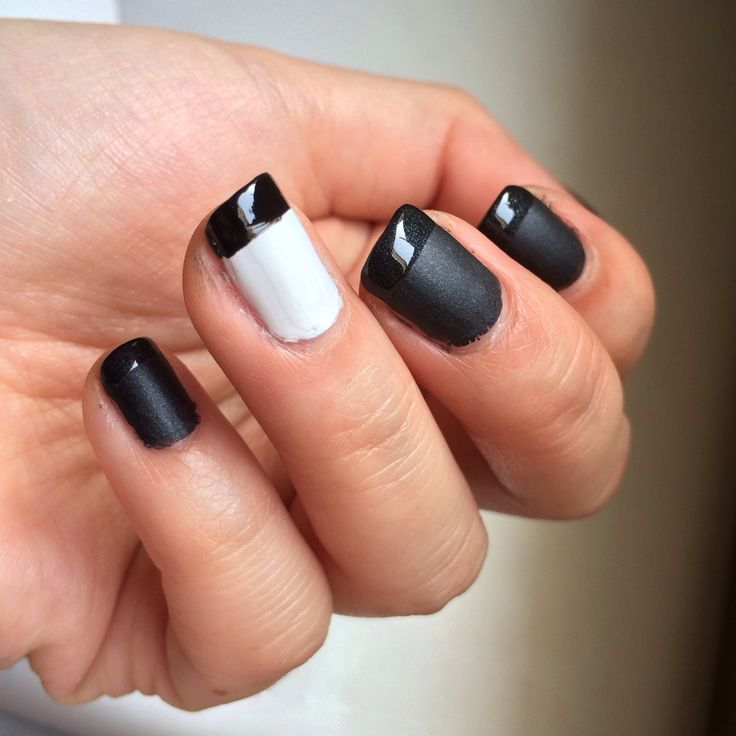 Black and white nail will never fail u