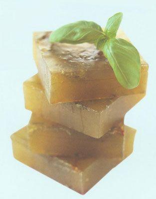 Мыло своими руками. Рецепт прозрачного мыла с базиликом и бергамотом.