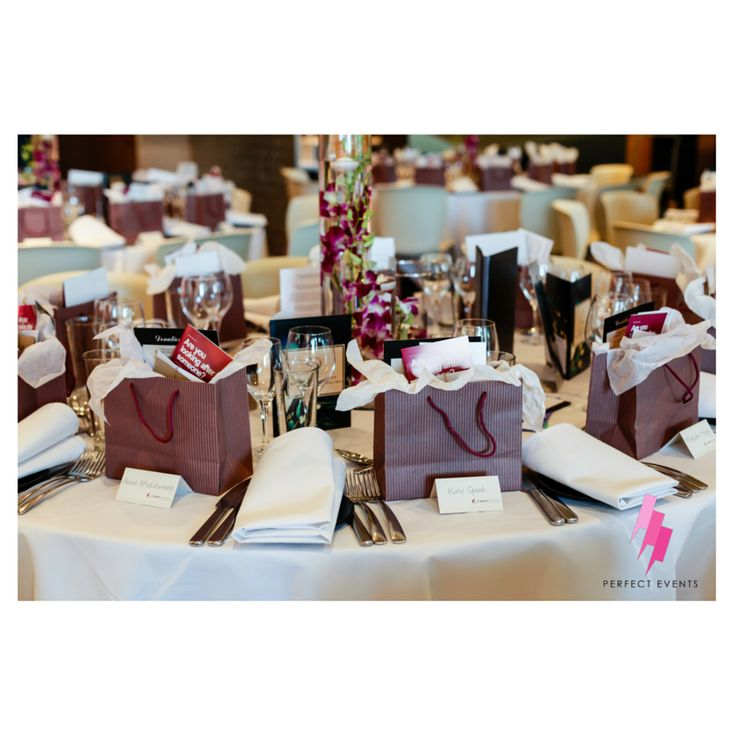 International Women's Dinner 2014 // Perfect Events  #Perfectevents #Tablearrangement #Flowers