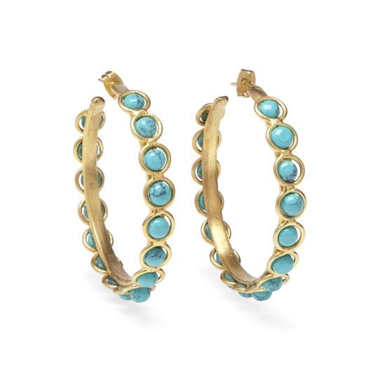 Sylvia Toledano http://www.vogue.fr/joaillerie/shopping/diaporama/bijoux-or-turquoise-jacquie-aiche-jennifer-meyer-garnazelle-sylvia-toledano/13558/image/759819