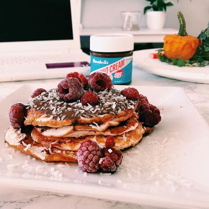 lizetteeriksson• Eftersom alla verkade ha pannkaks frulle igår så får väl jag ha det idag, med ett recept från fina @fixaformen ✨🥞 Kan man få en bättre start på dagen? GODmorgon på er🙋🏼🍂 #pancakes barebells kokos choklad pannkakor protein Nocco