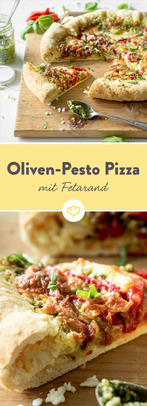 Dürfen wir vorstellen? Deine neue Lieblingspizza: Cremiges Olivenpesto, darauf geröstete Paprika und darüber milder Mozzarella. Aber warte, bis du am knusprigen Pizzarand angelangt bist. Darin verbirgt sich würziger Feta, der die Schlemmerei perfekt macht.
