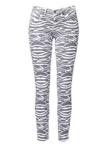Cotton/Elastane printed jegging with peached effect. Slim fit, with all over print design. Available in Multi as shown.