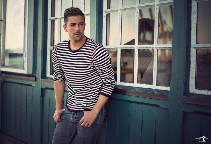 Male Model: Jonas - Hamburg / Germany Outdoor Photoshoot / Port / Hafen / Harbour