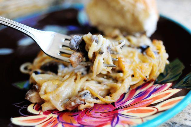 Pioneer Woman's Creamy Chicken Spaghetti Casserole - so delish