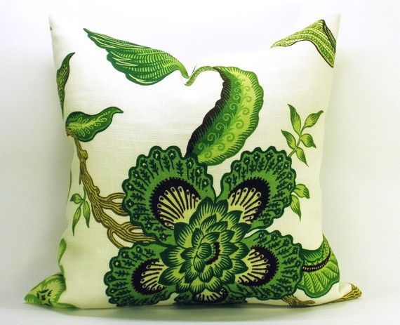 How to use green in your home #color #ideas #inspiraiton, I love patterns, pattern pillow