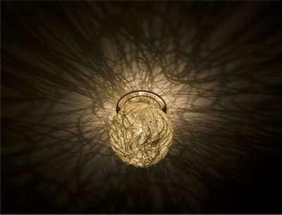 Die extravagante Catellani & Smith Sweet Light Einbauwandleuchte / Einbaudeckenleuchte ist eine wunderschöne Komposition aus Draht und Licht. Die kleine, geflochtene Leuchtenkugel aus Aluminium-, Messing- oder Silberdraht gehört...