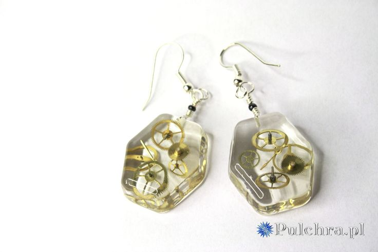 Hexagon steampunk resin earrings with real watch cogs / Steampunk, kolczyki z żywicy; pulchra.pl