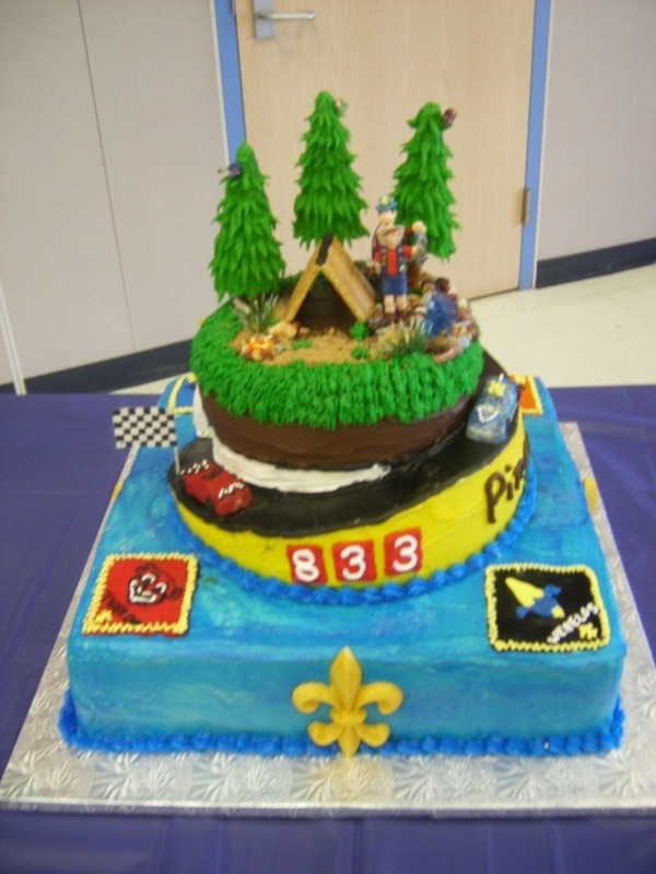Cake Decorating Ideas For Boy Scouts : 59 best images about Cub/Boy Scout Cakes on Pinterest ...