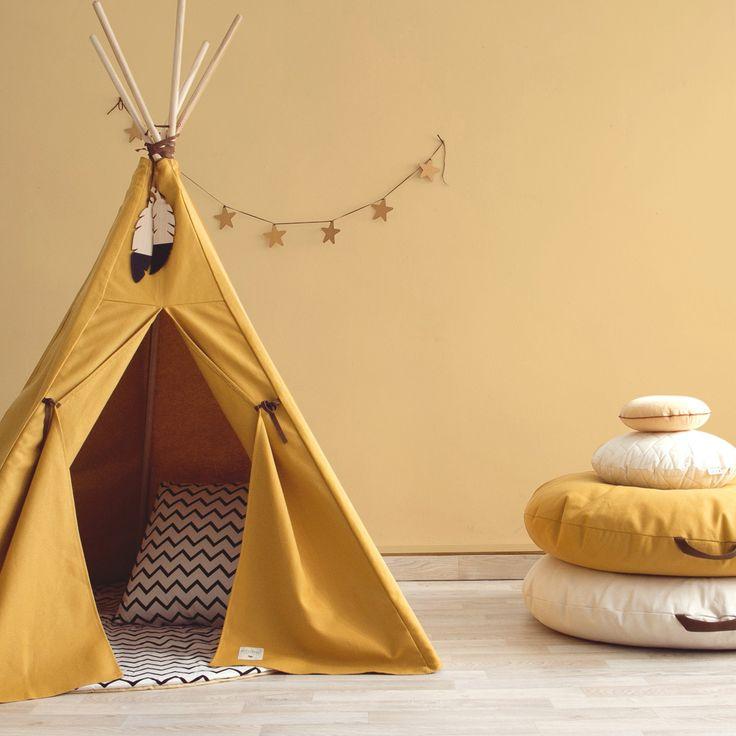 Quel plaisir de pouvoir jouer sous la tente ! Les enfants pourront faire du camping dans la chambre ou le salon ainsi que dans le jardin en été.