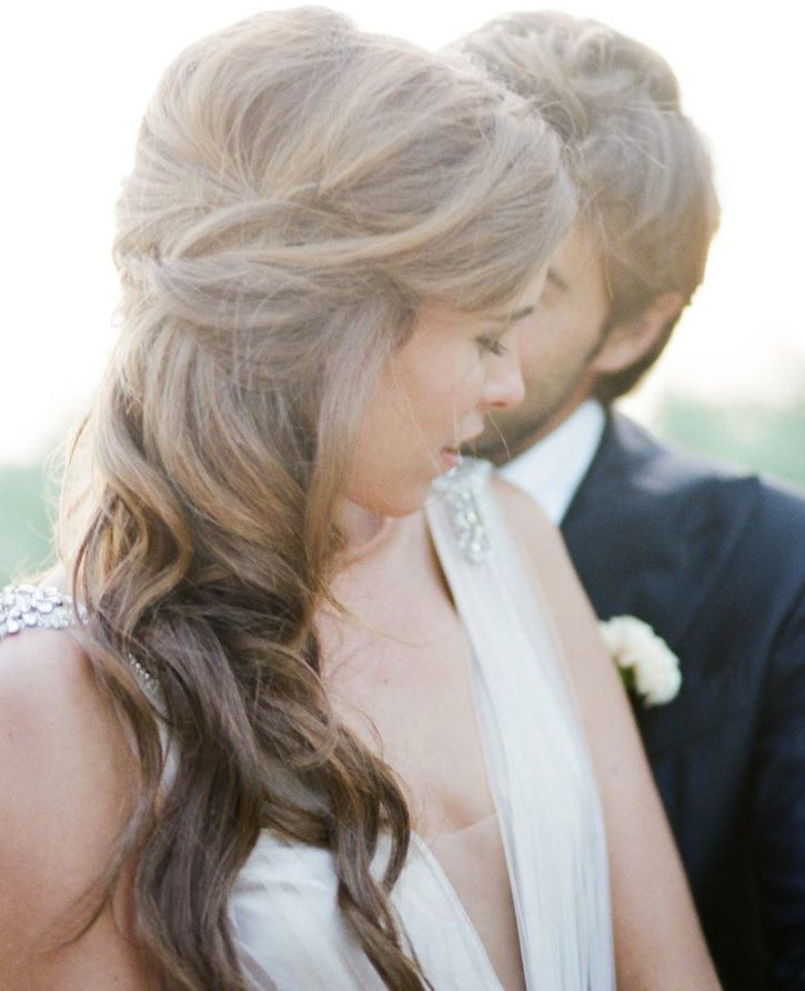 Beautiful and Elegant #Wedding #Hairstyle Ideas. To see more: http://www.modwedding.com/2013/11/22/updo-wedding-hairstyle-ideas/