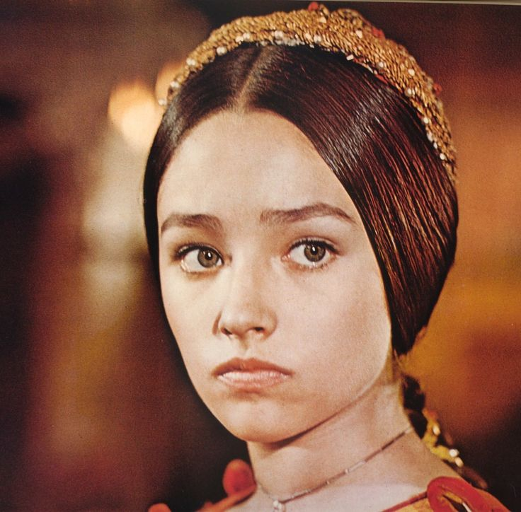 Romeo and juliet sexy portrait photo of olivia hussey as ...