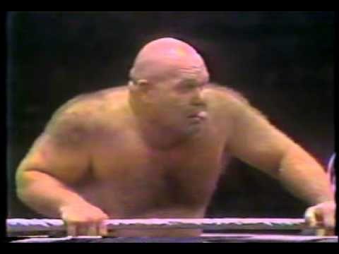 Bob Backlund vs George Steele - July 26, 1977 Philadelphia, PA Arena (WWWF Championship Wrestling-December 1977 reairing)