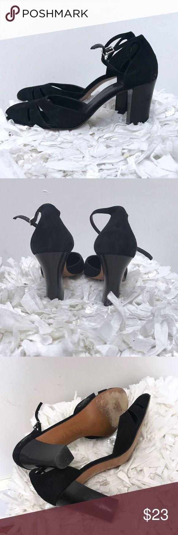 Circa Joan David shoes Sz 9 black Circa Joan David shoes. Sz 9. Very good condition. Bottom soles show normal wear. Joan & David Shoes Heels