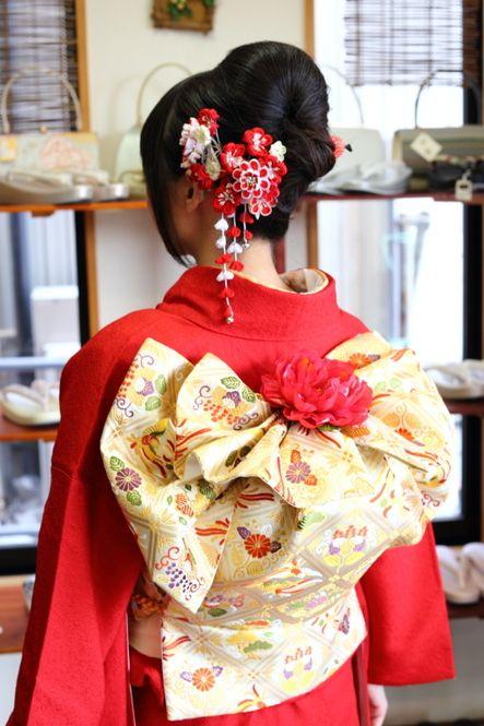 ふくら雀に飾りのはなをプラスしてより華やかにアレンジ!古典過ぎない結び方ができます!