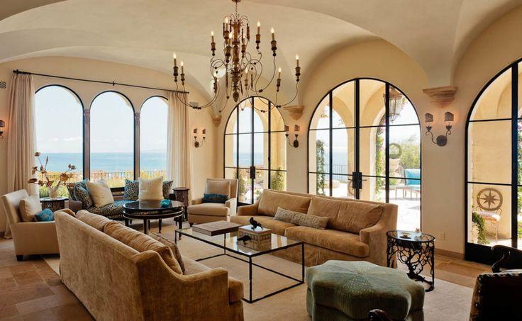 Mediterrán hangulatú nappali modern barna szövetes kanapékkal