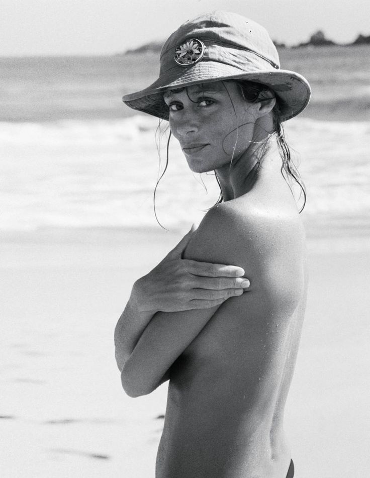 Lauren Hutton- Lauren Hutton Town and Country Magazine - Town  Country Magazine.  Always loved her gap!