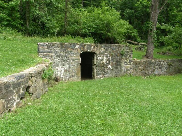 how to build a hidden root cellar