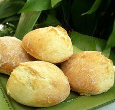 Petits pains sans pétrissage. Ingrédients: farine, levure de boulanger…