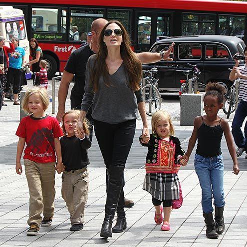 London July 23, 2012  Shiloh, Knox, Vivienne & Zahara with Angelina
