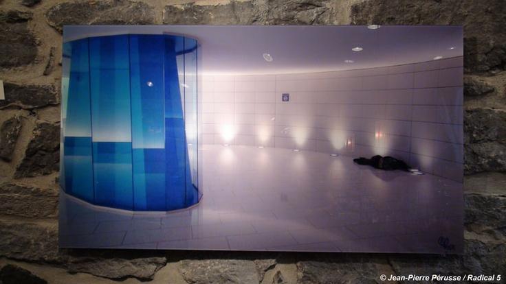 © Jean-Pierre Pérusse / Radical 5  CAISSE DE DÉPOT  Jet d'encre Acrylique    2,5 X 40 ACRYLIQUE$950