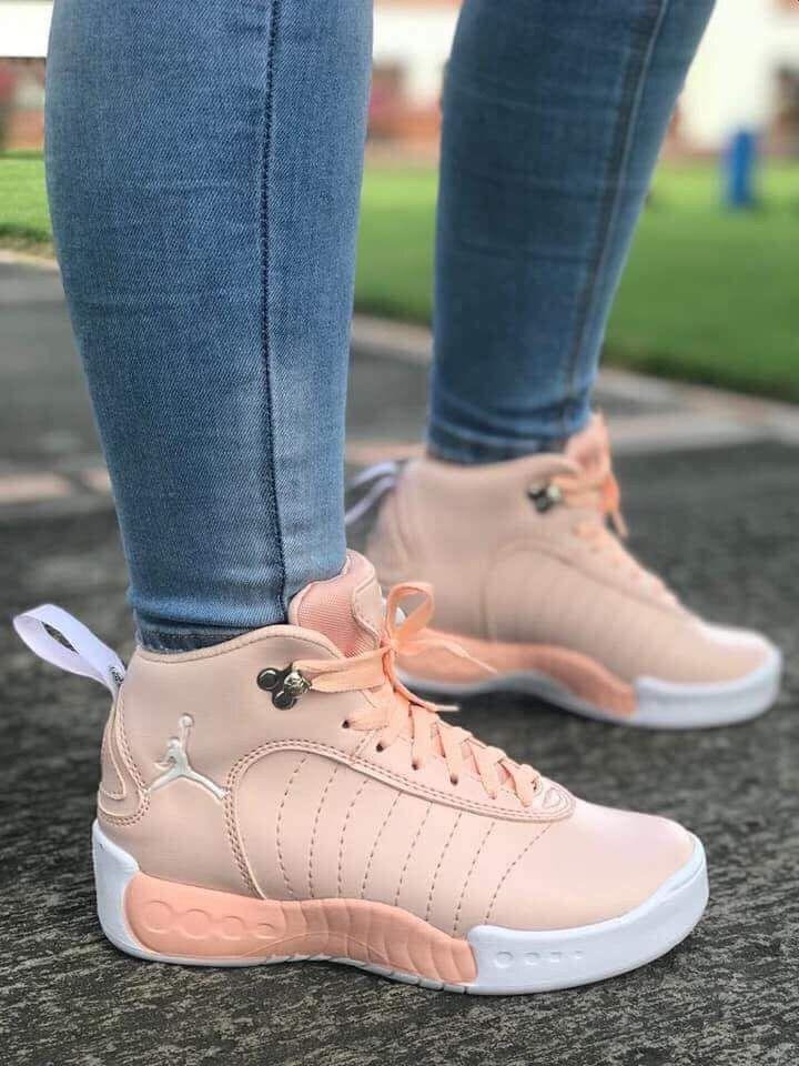 more photos 8be7b d7b73 Pin de K. J. en Pareja en 2019   Pinterest   Zapatos deportivos de moda,  Zapatos deportivos mujer y Zapatos nike