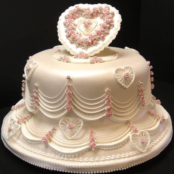 Cake Decorating In Oakleigh : 17 Best images about Sweet ~ Heart Cakes on Pinterest ...