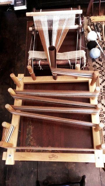 Direct warping rigid heddle loom using warping board by Sweet Annie Woods