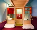 E' opera del designer francese Matali Crasset questo hotel di Parigi realizzato in collaborazione con Patrick e Philippe Elouarghi Chatelet. All'interno di Hi Matic, tutto viene gestito attraverso la rete wireless e una serie di postazioni digitali