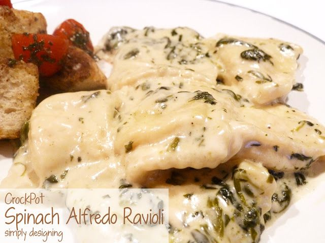 Crock Pot Spinach Alfredo Ravioli | a simple and really yummy crockpot meal! | #recipe