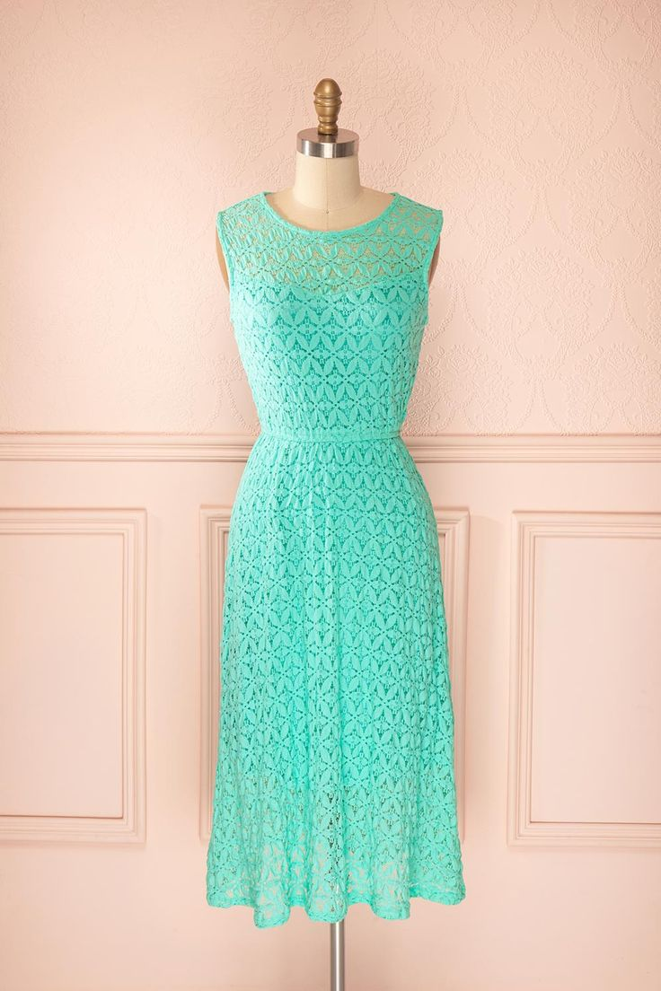 Grendell Sky - Turquoise lace maxi dress