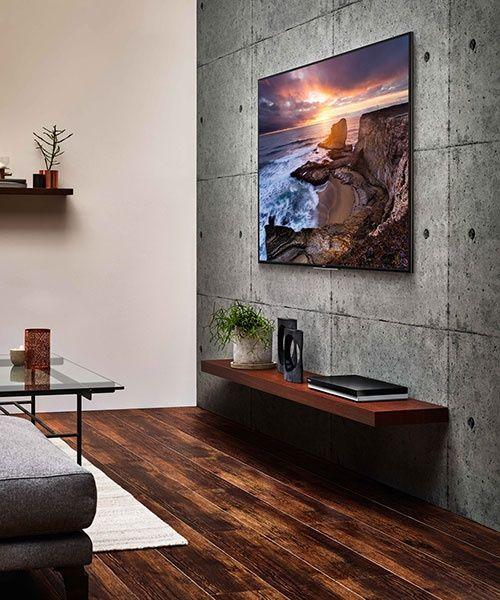 テレビの壁掛けスタイルという、新たな空間設計。